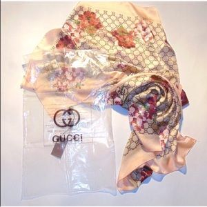 Authentic floral Gucci scarf pink blush silk
